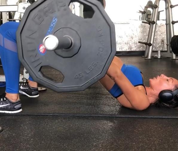 Oksana Rykova workout